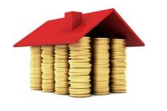 Casa hecha de monedas de oro Fotos de archivo libres de regalías