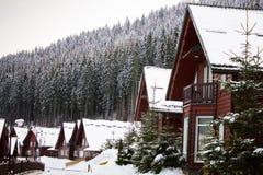 Casa hermosa en las montañas Fotos de archivo libres de regalías