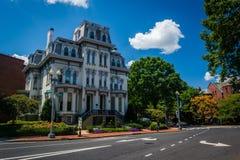 Casa histórica ao longo de Logan Circle, em Washington, C.C. imagens de stock royalty free