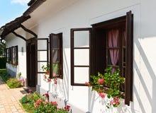 Casa histórica típica de la aldea en Croatia Fotografía de archivo