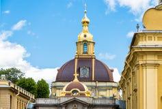 Casa imperial ducal grande do cofre-forte de enterro de Romanov no Peter e no Paul Cathedral Imagem de Stock Royalty Free
