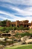 Casa incompleta no campo de golfe. Fotos de Stock Royalty Free