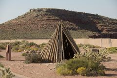 Casa indiana americana antiga do ` s da tenda da tenda imagens de stock