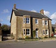Casa inglesa da vila Fotos de Stock