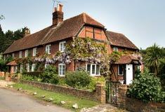 Casa inglesa da vila Imagens de Stock Royalty Free