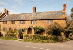 Casa inglesa de pedra natural da vila Imagem de Stock
