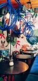 A casa interior brilhante do café imagem de stock royalty free
