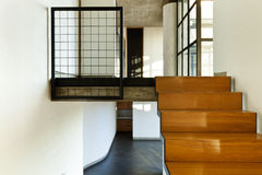 Casa interior, escadaria de madeira Imagens de Stock Royalty Free