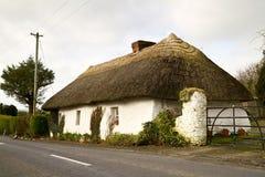 Casa irlandese del cottage Fotografie Stock Libere da Diritti