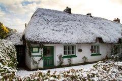 Casa irlandese tradizionale del cottage Fotografia Stock Libera da Diritti