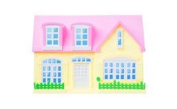 Casa isolata del giocattolo sopra fondo bianco fotografie stock libere da diritti