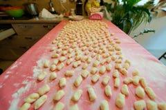Casa italiana di gnocchi della patata fatta Fotografie Stock Libere da Diritti