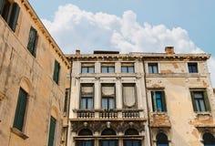 Casa italiana pintoresca en Venecia imagenes de archivo