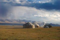 Casa kirguizia tradicional Imagenes de archivo