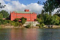 Casa Klasterec nad Ohri della proprietà terriera fotografia stock