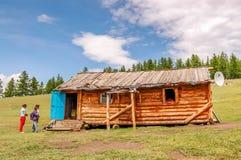 Casa in legno, parco nazionale di Khovsgol fotografia stock