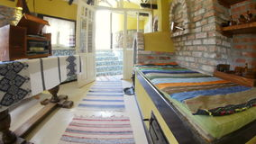 Casa lipovan tradizionale nel delta di Danubio archivi video