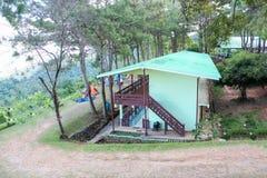Casa lunga verde in montagna Fotografia Stock Libera da Diritti