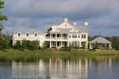 Casa lussuosa di lungomare Immagini Stock