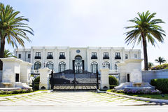 Casa luxuosa branca Imagem de Stock Royalty Free