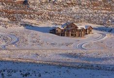 Casa luxuosa nova na escala dianteira de Colorado Fotos de Stock Royalty Free