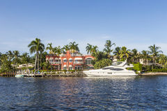 Casa luxuoso da margem no Fort Lauderdale Foto de Stock