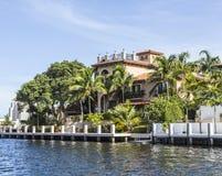 Casa luxuoso da margem no Fort Lauderdale Imagem de Stock