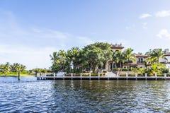 Casa luxuoso da margem no Fort Lauderdale Fotos de Stock