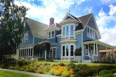 Casa mais velha muito agradável Imagem de Stock Royalty Free