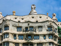 Casa Mila durch Gaudi in Barcelona Lizenzfreie Stockfotos