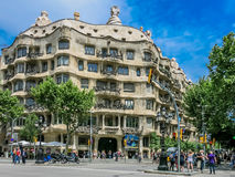 Casa Mila durch Gaudi in Barcelona Stockfotografie
