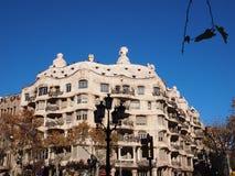 Casa Mila eller La Pedrera, arkitekt Antonio Gaudi, Barcelona, Spanien Fotografering för Bildbyråer