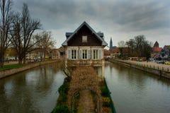 Casa misteriosa en la ciudad vieja de Estrasburgo imagen de archivo libre de regalías