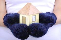 Casa modelo envuelta en bufanda Fotos de archivo libres de regalías