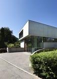 Casa moderna ao ar livre Fotos de Stock Royalty Free
