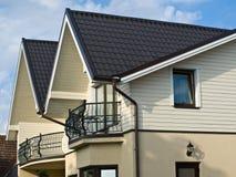 Casa moderna del villaggio Fotografie Stock Libere da Diritti