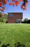 Casa moderna do tijolo Fotografia de Stock Royalty Free