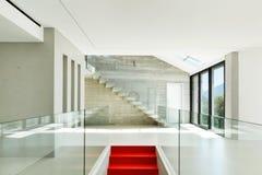 Casa moderna, escalera Foto de archivo