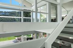 Casa moderna, escalera Fotografía de archivo
