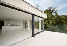 Casa moderna hermosa Foto de archivo libre de regalías