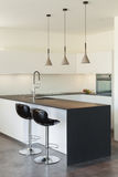 Casa moderna interior, cocina Fotografía de archivo libre de regalías