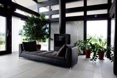 Casa moderna, sala de estar Fotos de archivo