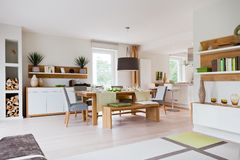 Casa moderna, sala de estar foto de archivo libre de regalías