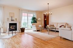 Casa moderna, sala de visitas foto de stock royalty free