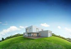 Casa moderna su terra e su erba verde con il fondo del cielo blu nella vendita del bene immobile o nel concetto di investimento d Immagine Stock