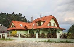 Casa moderna vicino a Poprad slovakia fotografia stock