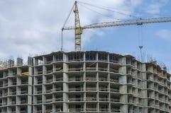 Casa monolítica semicircular sob a construção foto de stock royalty free