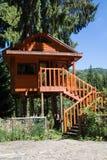 Casa na árvore de madeira Fotografia de Stock
