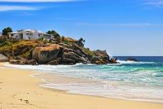 Casa na costa do oceano Imagens de Stock Royalty Free