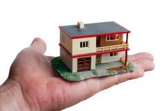 Casa na mão Fotografia de Stock Royalty Free